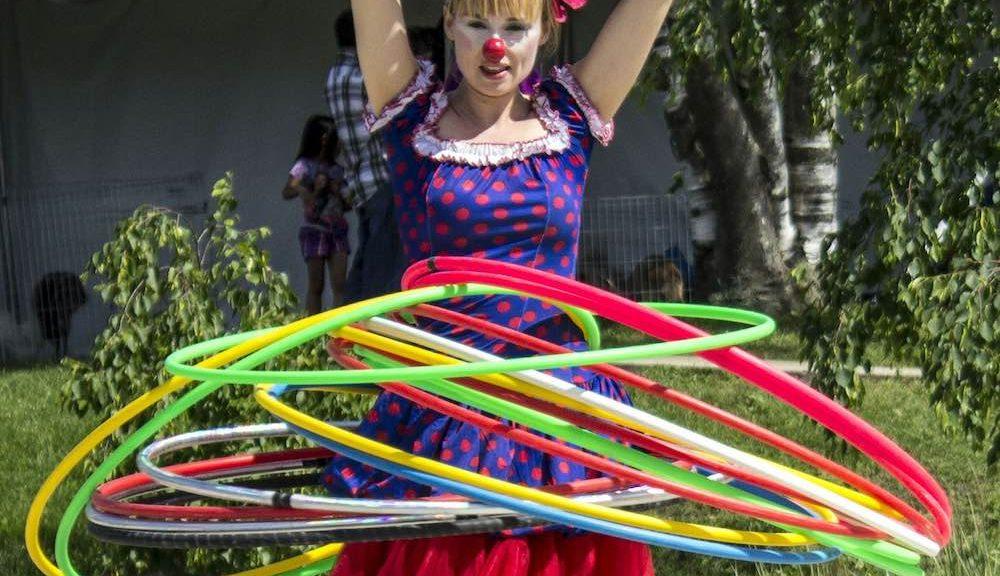 je fais du hula hoop pour tonifier ma vie et mon corps